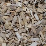 חיפוי קרקע באמצעות שבבי עץ